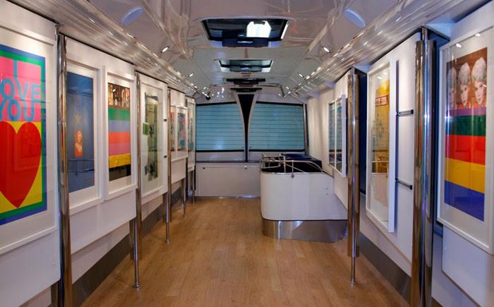 4. Художественная галерея автобус, креатив, луаз