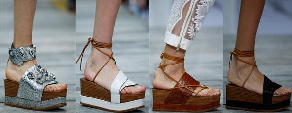 Модные босоножки на высокой платформе от Roberto Cavalli