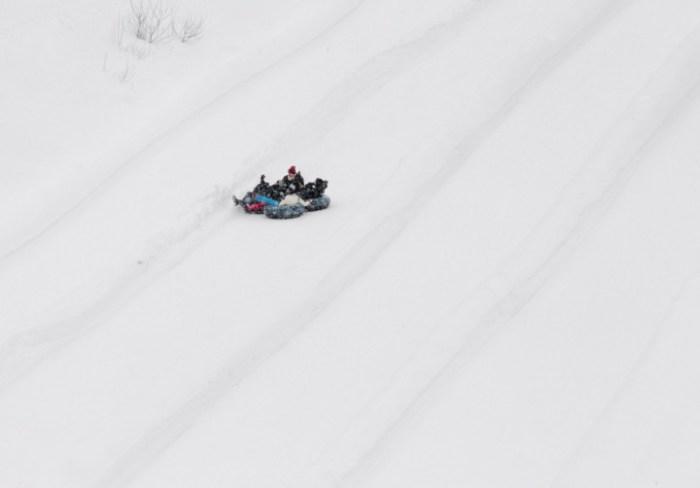 Дружные и активные игры на снегу.