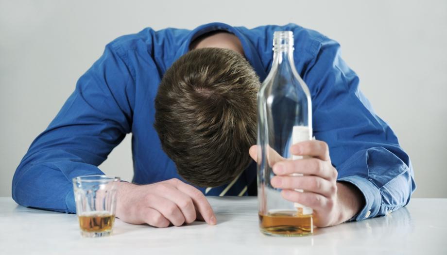 употребление алкоголя уменьшает инкубационный период венерологических заболеваний