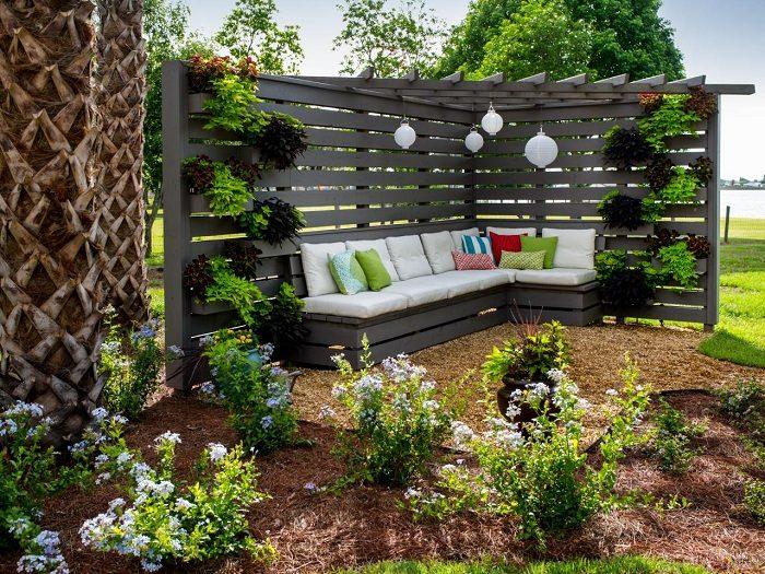 Конструкции в саду