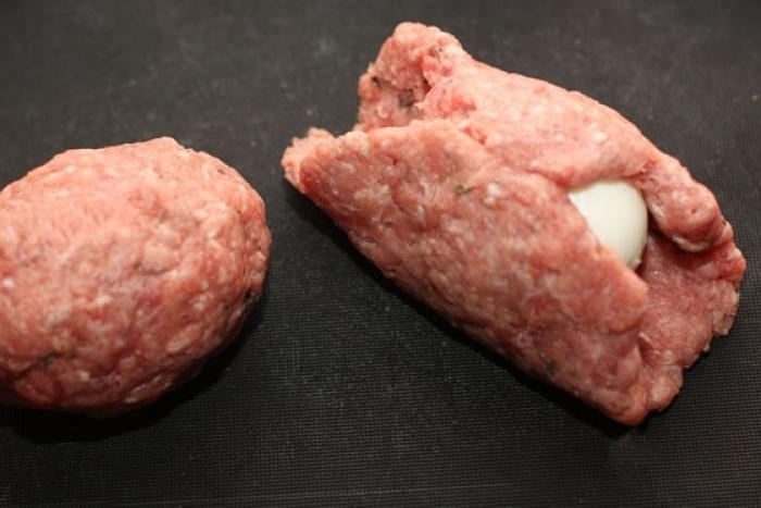 Яйца по-шотландски: закуска для тех, кто любит посытнее