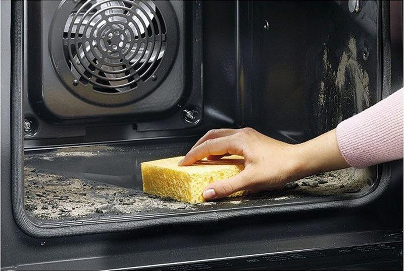 Как очистить электрический духовой шкаф от нагара в домашних условиях
