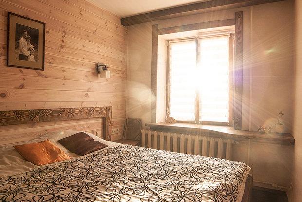 деревянная отделка в спальне