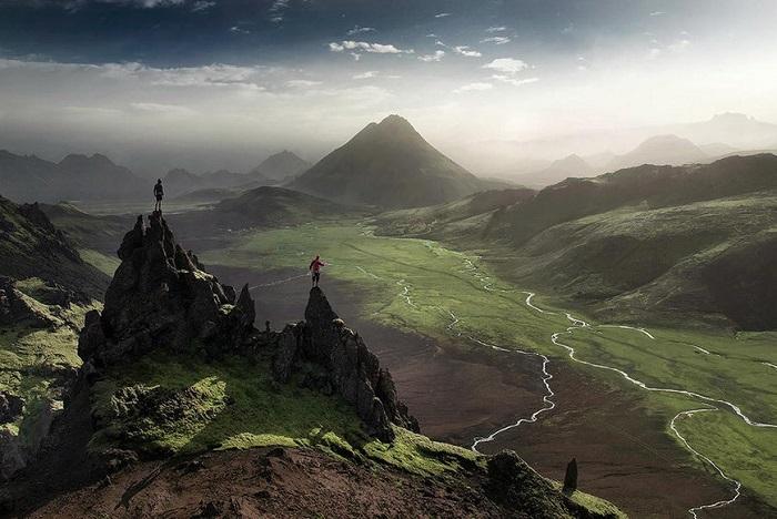 Маршрут по горной тропе, представляет собой удивительное живописное путешествие, через высокогорье к северу от ледника Мирдальсйокудль.
