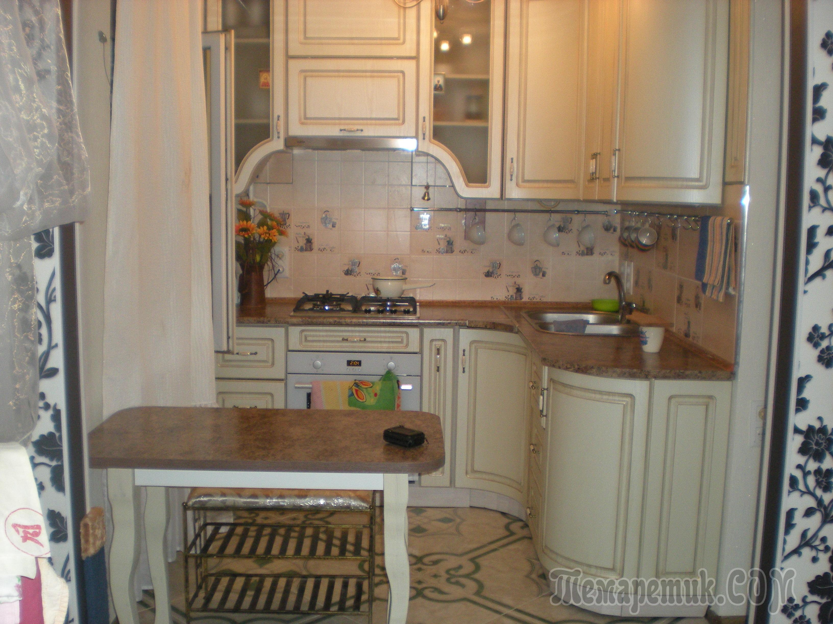 Современно оформленная маленькая кухня в хрущевке дизайн фото примеров 43