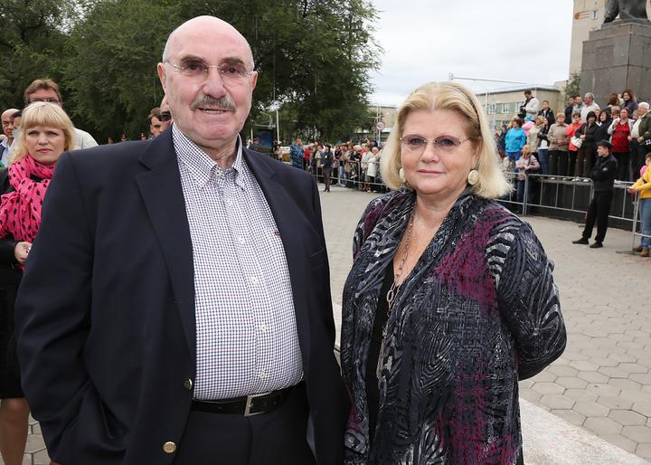 познакомилась со своим мужем на кладбище фильм