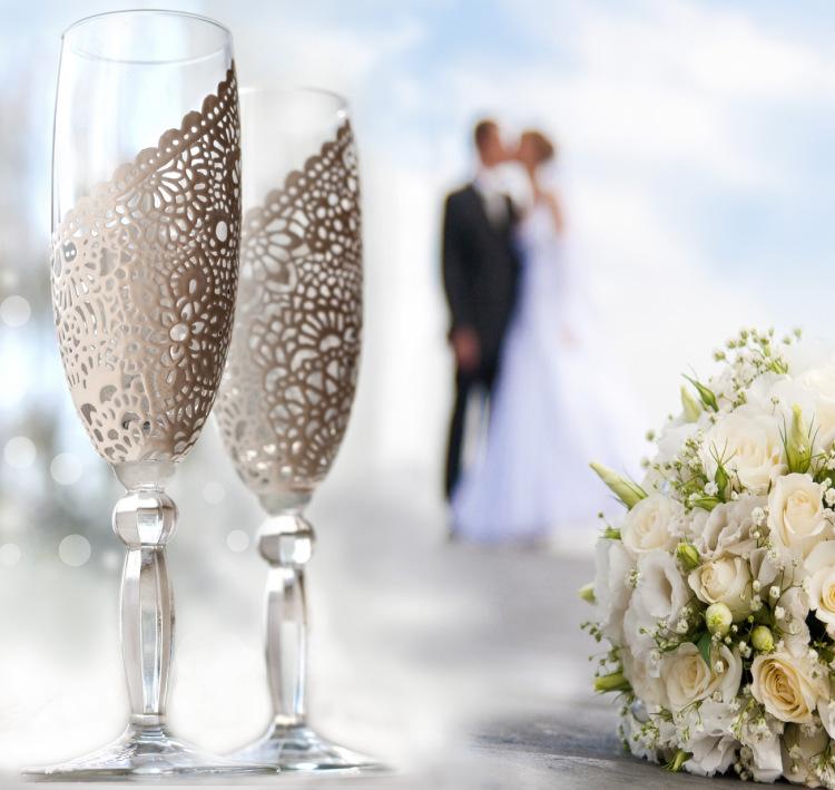 Бокалы с кружевом на свадьбу