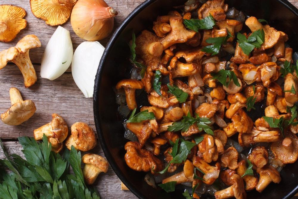 Жареный белый грибы приготовления