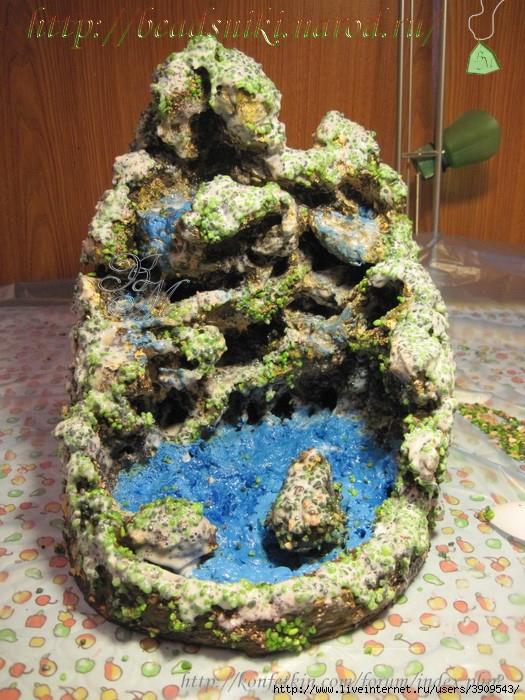 Камни из монтажной пены