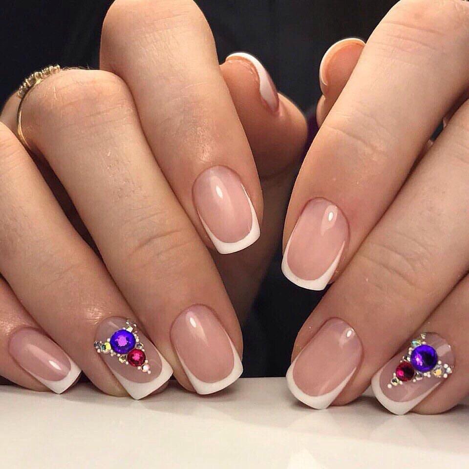Фиолетовый френч с рисунком на ногтях 2017-2018 новинки