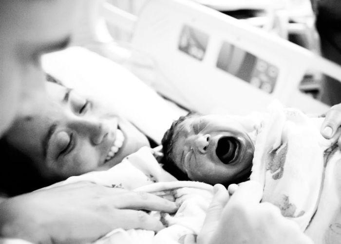 Первый крик младенца оповещает о появлении новой жизни.