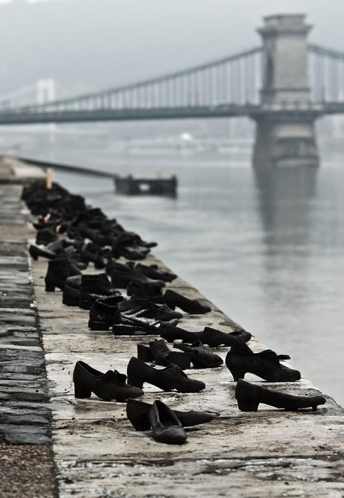 Обувь на берегу Дуная. Будапешт, Венгрия. достопримечательности, искусство, памятники