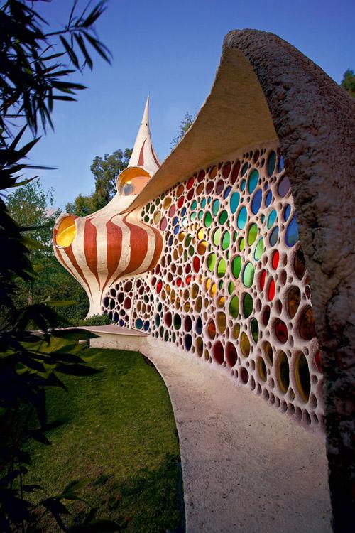 Дом в виде раковины моллюска наутилуса. Фото