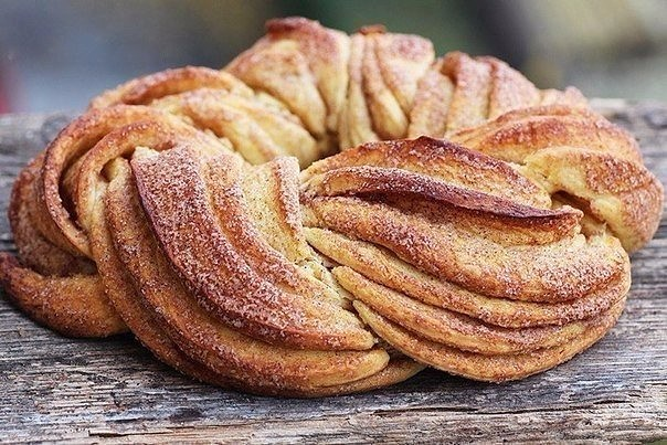 Плетеные булочки с корицей еда, своими руками, сделай сам