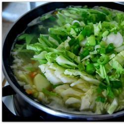 Суп с молодой капустой