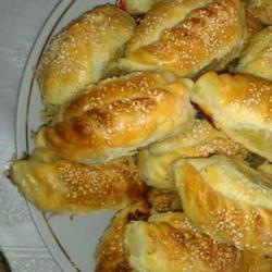 Гезлевские слоенные пирожки с мясом(Гезлев катмерли янтыклар)
