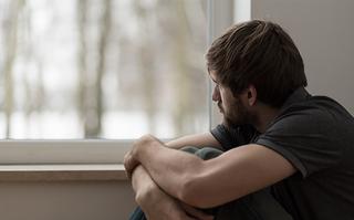 Депрессия и рост зарплаты: что происходит с теми, кто берёт ипотеку?