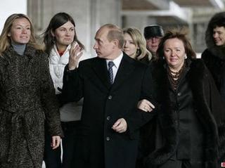 Почему дети патриотов Путина, Медведева и Лаврова живут не в России?