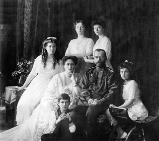 Царственные страстотерпцы. За что канонизирован император Николай II и его семья?