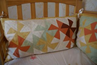 Бортики в детскую кроватку и гнездо для внучки