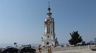 Крымская Ривьера - храм-маяк, долина Привидений и водопад Джур-Джур