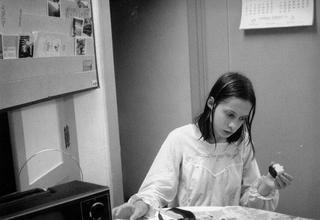 12 лет привязанная к стулу: История Джини Уайли