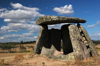 Гипотеза: Дольмены как каменные телескопы