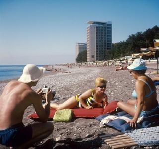 Советский Instagram: 26 колоритных ретро фотографий, показывающих, как могли бы выглядеть фотоотчеты отдыхающих на советских курортах