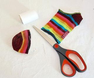 Предлагаем несколько полезных идей! 20 полезных идей применения носка без пары...