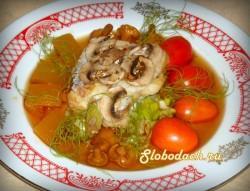 Рыба паровая с грибами и луком-пореем
