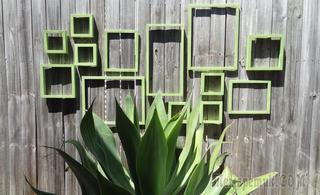 Украшаем забор на даче: 30 идей