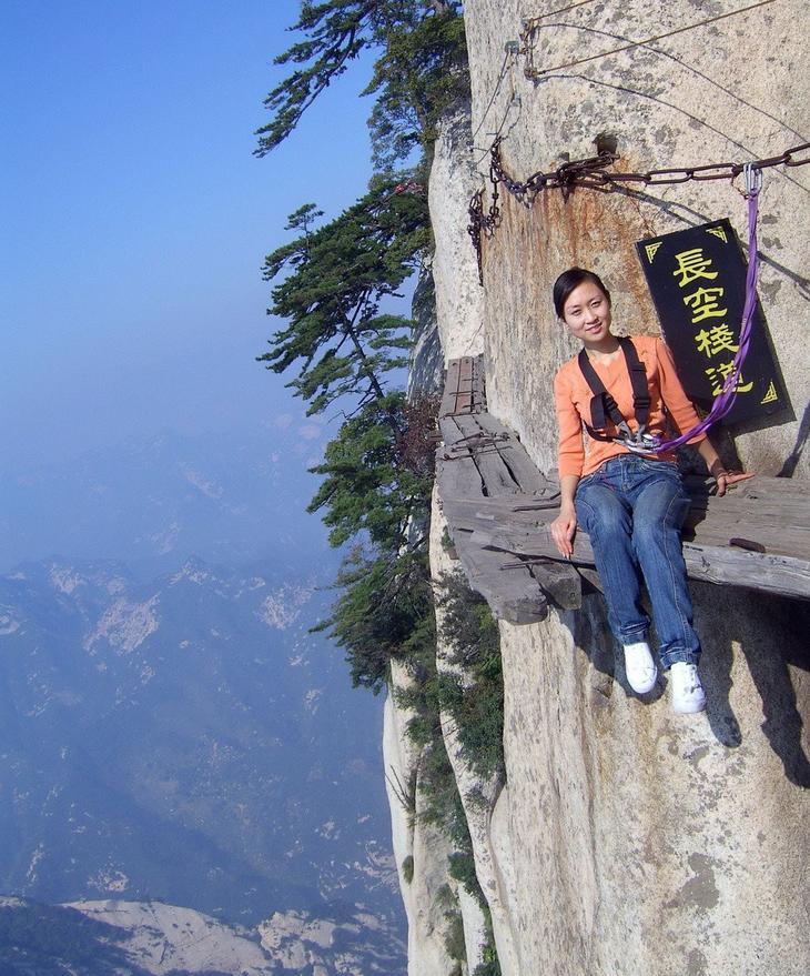5. Наверное, только эта «Тропа смерти» на высоте 2130 метров. интересное, фото
