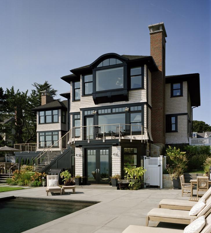 Дом у моря для любителей черного