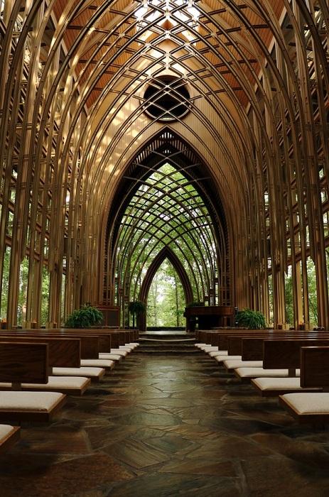 Органичное слияние дерева и стекла.