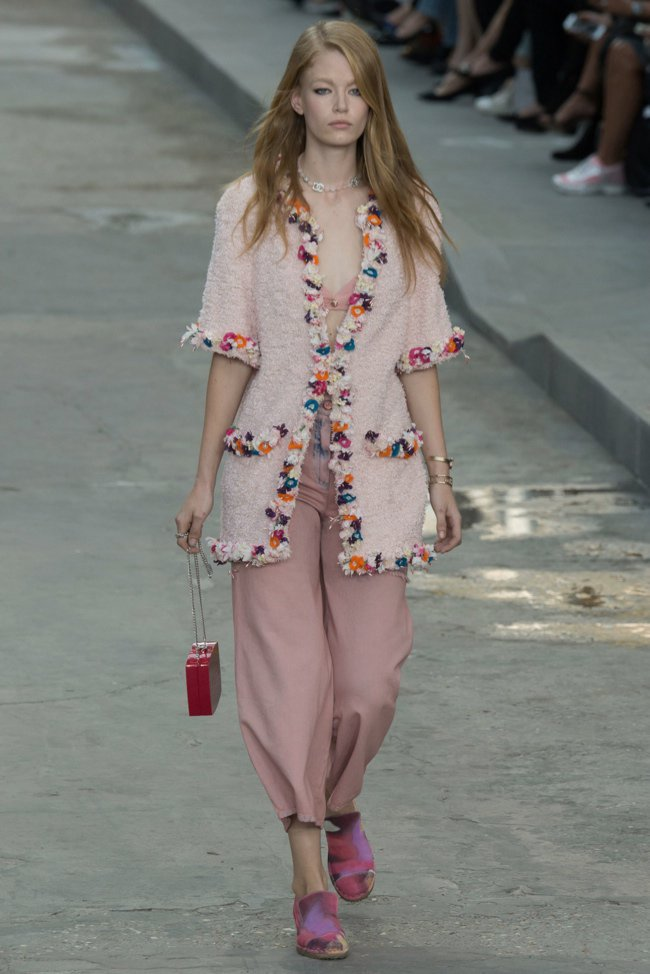 chanel-2015-spring-summer-runway27.jpg