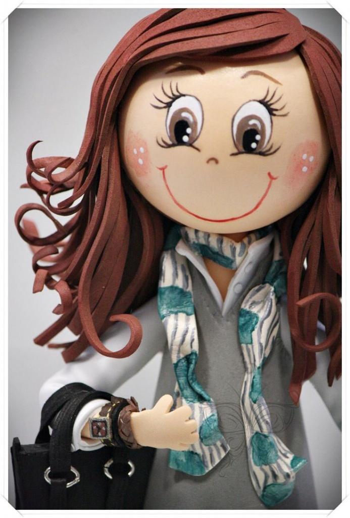 Лица у кукол из фоамирана могут быть самыми разнообразными