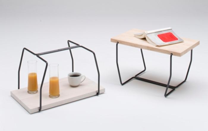 Сервировочный столик и поднос.