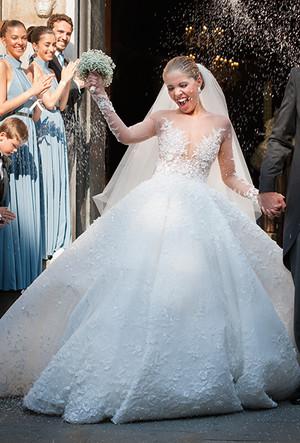 Фото №26 - 16 самых известных, красивых и дорогих свадебных платьев за всю историю