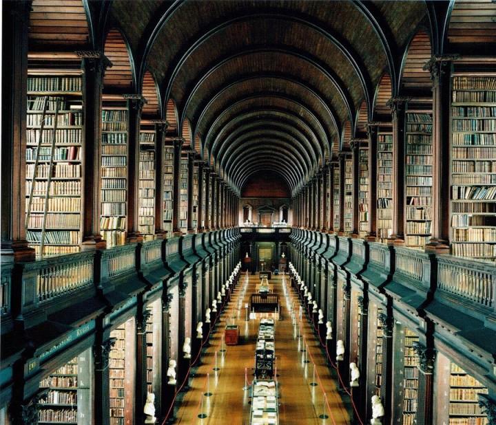 library04 Топ 10 самых красивых университетских библиотек мира