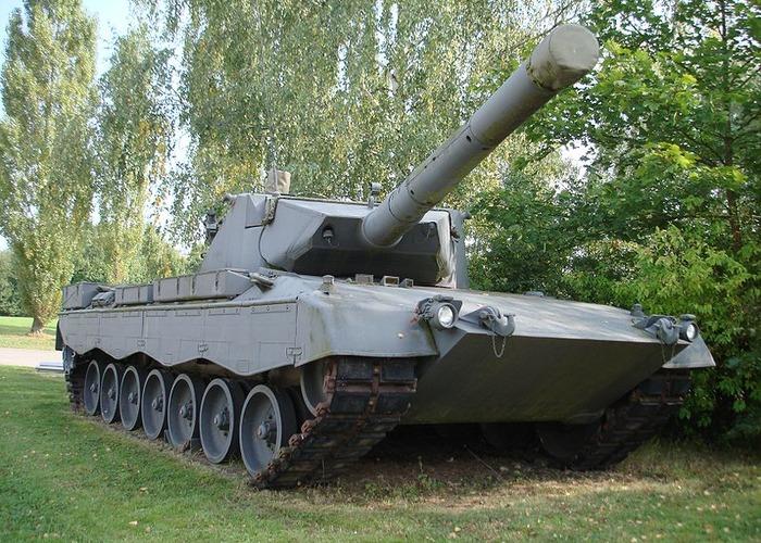 Немецкий танк Leopard 2. /Фото: warspot.ru