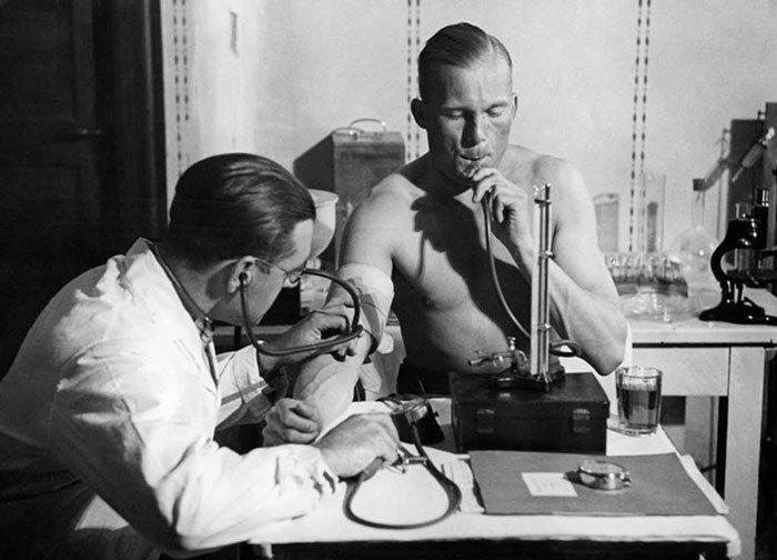 Взгляните на медицину прошлого - и содрогнитесь! врачи, интересно, история в картинках, история медицины, лечение, медицина, медицина прошлого, познавательно