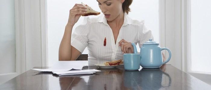 Обед прошел не особо удачно, а запасной одежды нет — не проблема. /Фото: vanish.co.uk