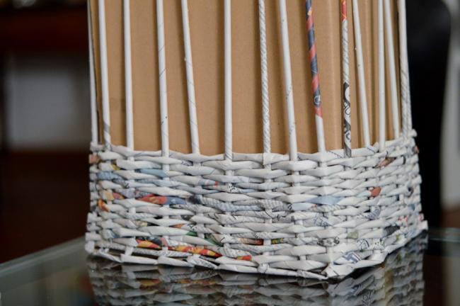 Форма для создания корзины из газетных трубочек в виде обычной картонной коробки