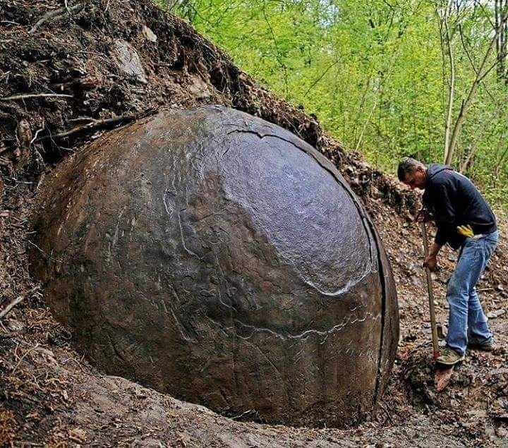 Шар обнаруженный в Боснии бобовины, геология, земля, камни, конкреции, чудо