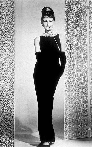 Маленькое чёрное платье придумала в 1926 году коко шанель | Old hollywood glamour, Fashion, Hollywood glamour