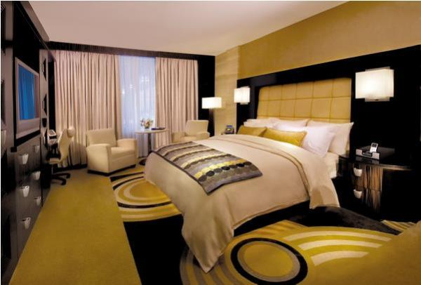 Жёлто-чёрная спальня
