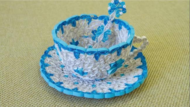 Такая сувенирная чашка станет украшением интерьера