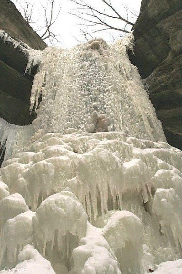 icefalls06 10 невероятных ледяных водопадов