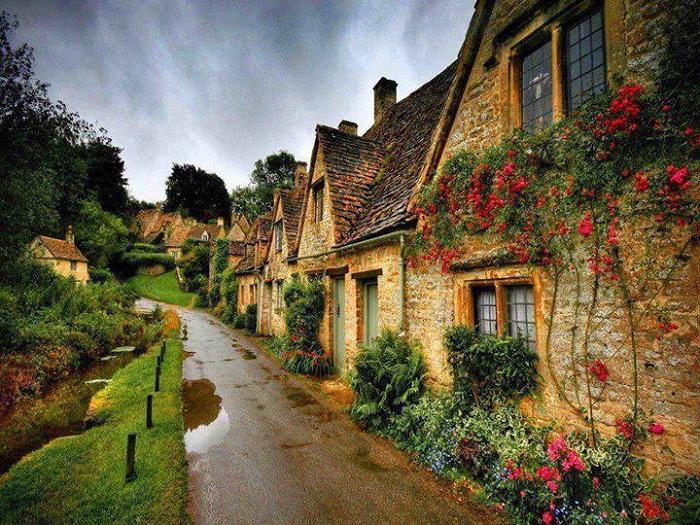 Дома, имеющие до 10 окон, налогом не облагались (Англия).